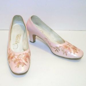 Vintage Cressida pink heels with floral embroidery
